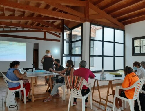 Buen ambiente y diversión en la 'sesión creativa' del proyecto La Aldea Recicla hacia un cambio de conductas más sostenibles