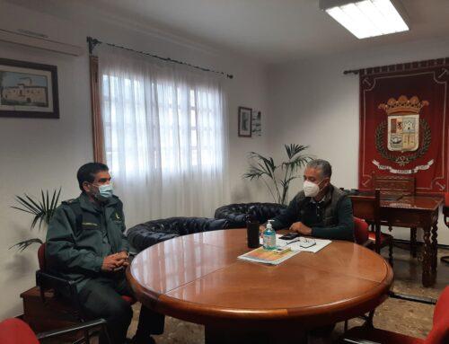 El alcalde de La Aldea recibe al nuevo capitán de la Guardia Civil de la Comandancia de Santa María de Guía