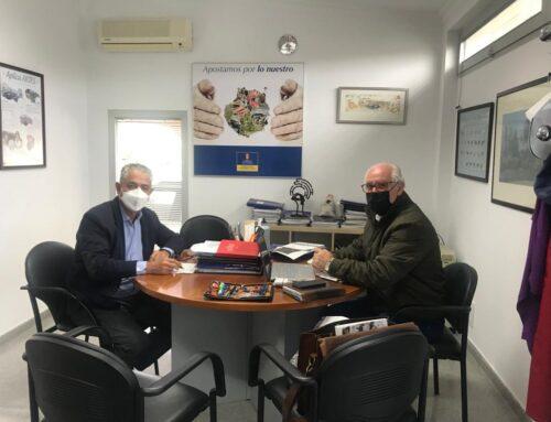El alcalde de La Aldea se reúne con el consejero de Sector Primario del Cabildo para abordar diferentes temas del municipio