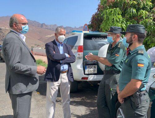 El delegado del Gobierno en Canarias visita La Aldea tras completarse el 100% de la plantilla de la Guardia Civil
