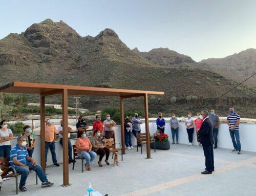 El Ayuntamiento celebra con los vecinos la nueva remodelación de la plaza de Tasartico